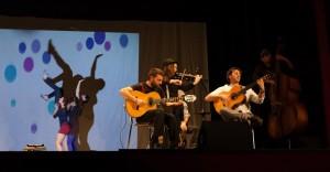 Actuación musical durante la gala de premios